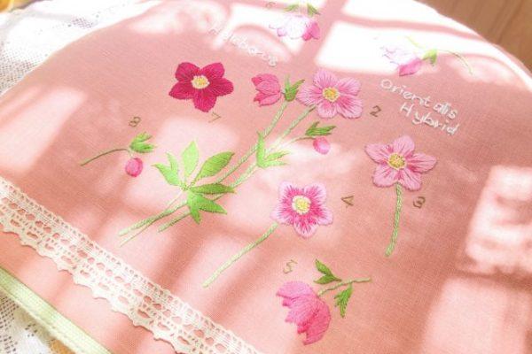 ピンクのお花のフランス刺繍
